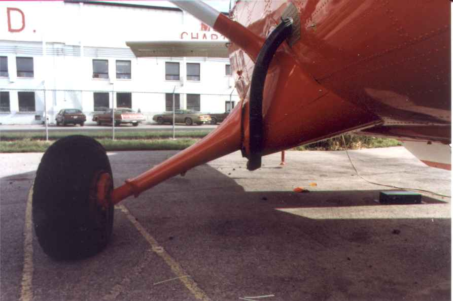 DHC-6 Fuel Transfer Tank and Fuel Dump